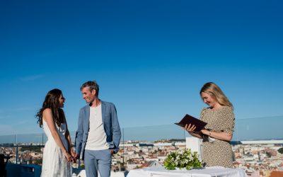 Intimate rooftop wedding in Lisbon