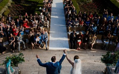 Amazing outdoor wedding in botanical garden in Lisbon