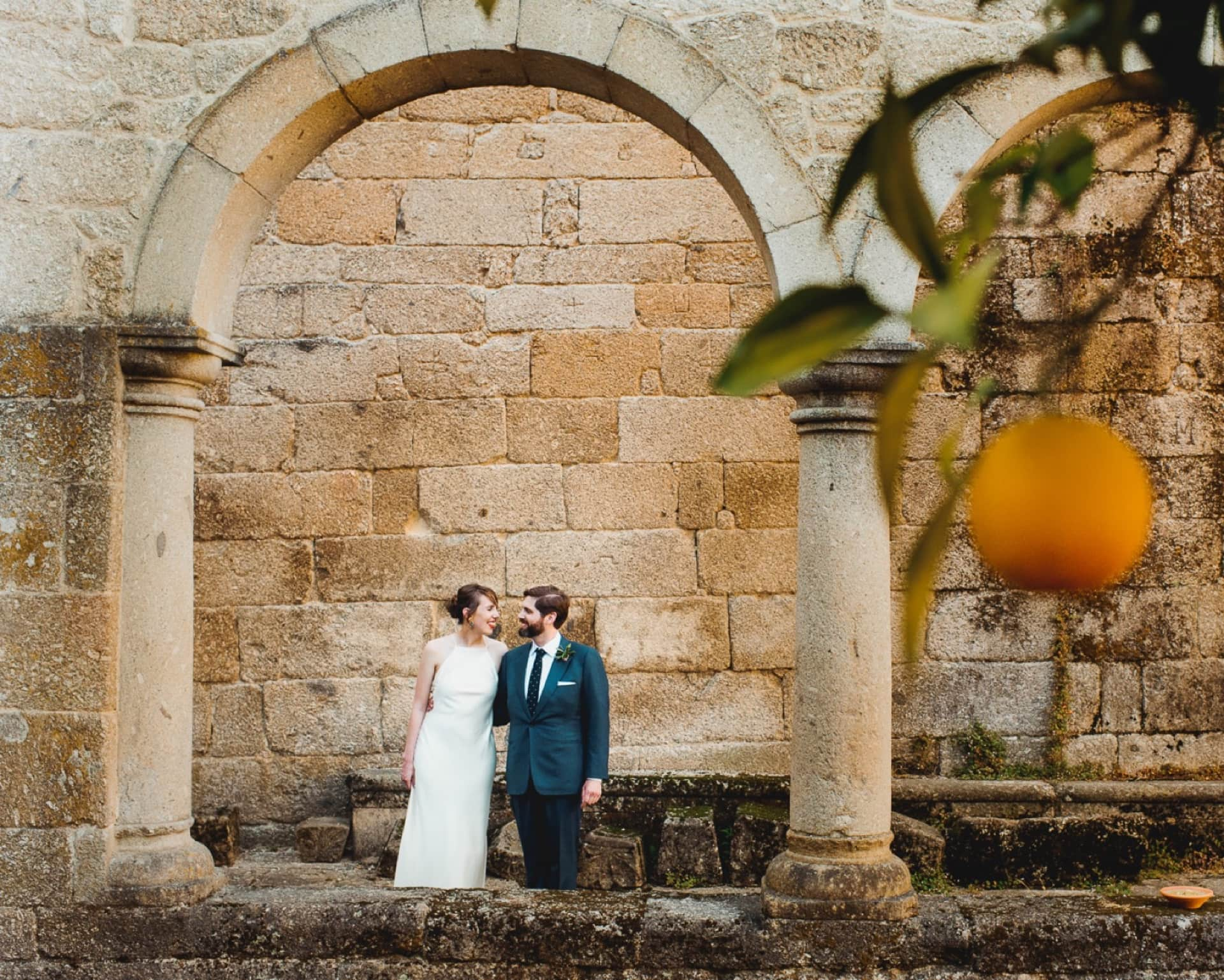 A wedding in Portugal under the orange trees
